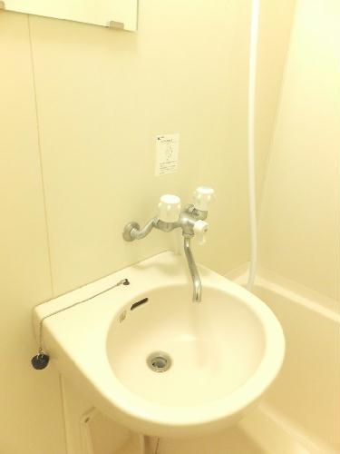 レオパレスProsperity 110号室の風呂
