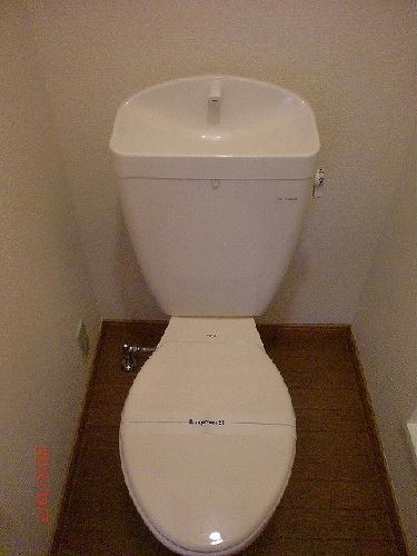 レオパレス泉壱番館 108号室のトイレ