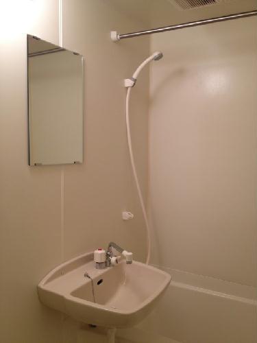 レオパレスラフェスタ 208号室の風呂