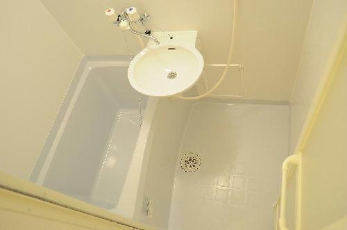 レオパレスアルモニ2番館 104号室の風呂