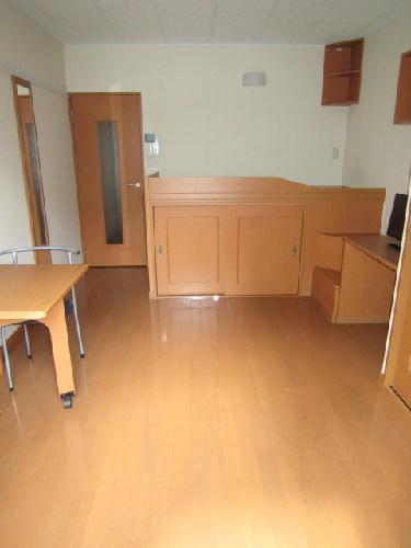 レオパレスフロンティア 102号室の居室