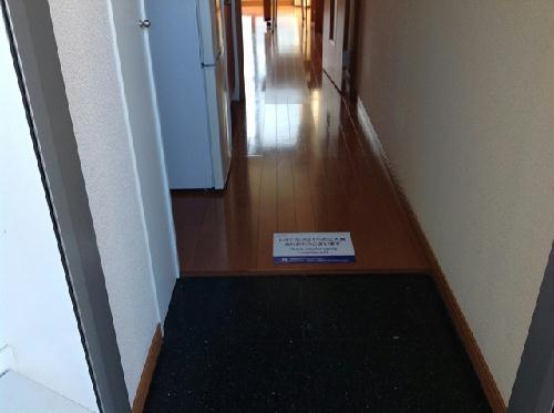 レオパレスフロンティア 102号室のリビング