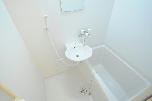 レオパレスクレール千代川 203号室の風呂