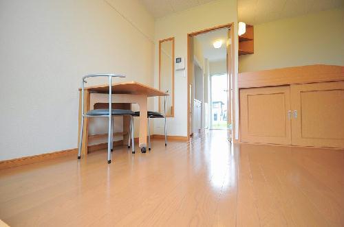 レオパレス飛鳥 常盤台 204号室の居室