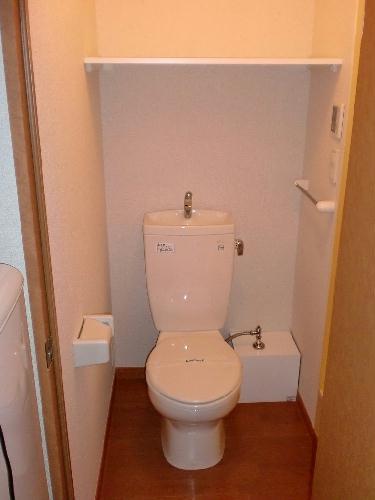 レオパレス四ツ木 302号室のトイレ