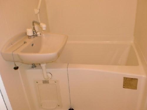レオパレス四ツ木 302号室の風呂