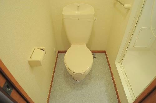レオパレスみその 102号室のトイレ