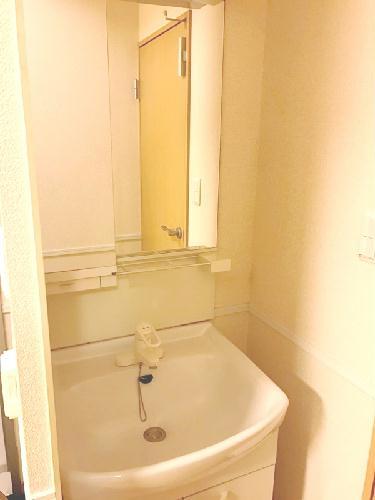レオパレスMⅠ 201号室の洗面所