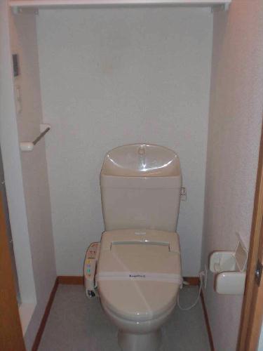レオパレスエンボーダ 201号室のトイレ