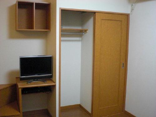 レオパレスマカービルシャナ 205号室の収納