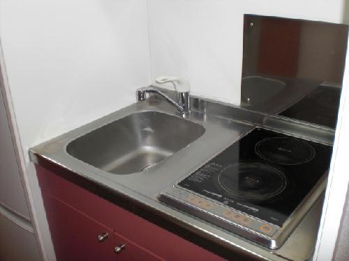 レオパレスマカービルシャナ 205号室のキッチン