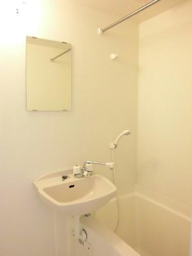 レオパレスアーバン 304号室の風呂