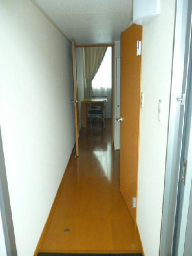 レオパレス光草 304号室の玄関