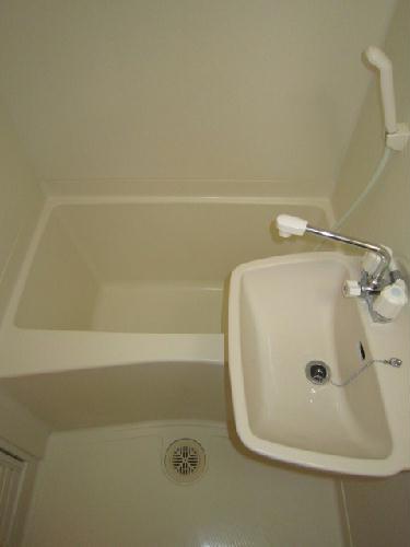 レオパレスルクソール 102号室の風呂