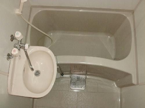 レオパレスソレイユ日比野 304号室の風呂