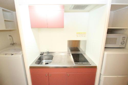 レオパレスやまと 208号室のキッチン