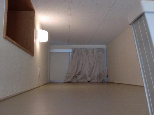 レオパレスKOZAKA8 211号室の収納