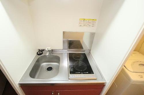 レオパレスKOZAKA8 212号室のキッチン