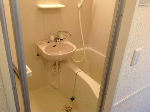 レオパレスサイレンスK 304号室の風呂