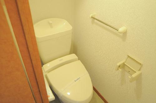 レオパレスJ BOX Ⅲ 103号室のトイレ
