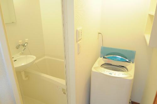 レオパレスJ BOX Ⅲ 103号室の風呂