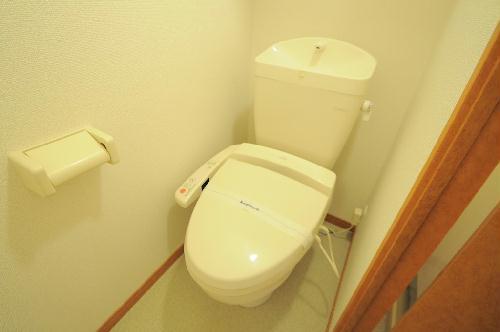 レオパレス嵯峨野 103号室のトイレ