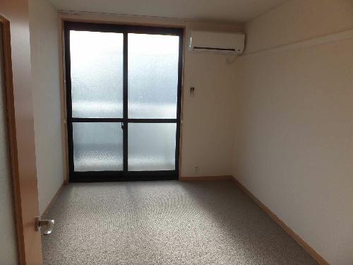 レオパレスリソランテ 301号室のベッドルーム