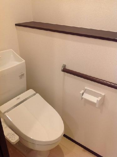 クレイノ寺津 204号室のトイレ