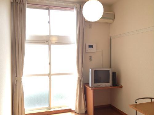 レオパレス吉野原 205号室のリビング