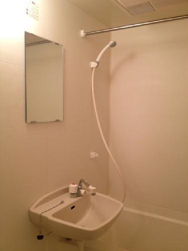 レオパレス吉野原 205号室の風呂
