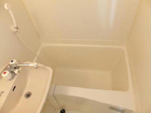 レオパレスカームウエルス 103号室のトイレ