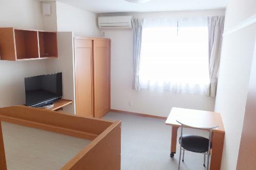 レオパレスコンドル 205号室のベッドルーム