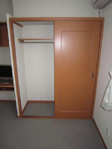 レオパレスグリュ 202号室の収納