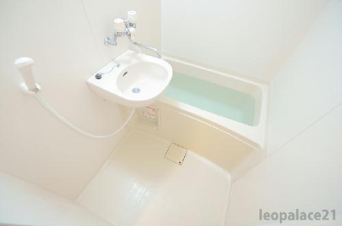 レオパレスフォンテーヌⅣ 107号室の風呂