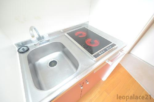 レオパレスフォンテーヌⅣ 107号室のキッチン