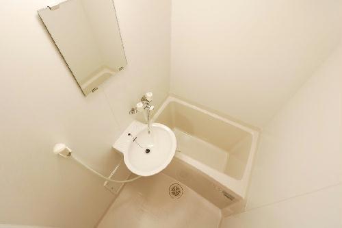 レオパレスアムール 102号室の洗面所