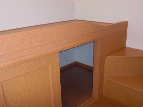 レオパレスベルダカーサ 208号室のベッドルーム