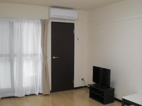 レオネクスト吉良吉田 205号室のベッドルーム
