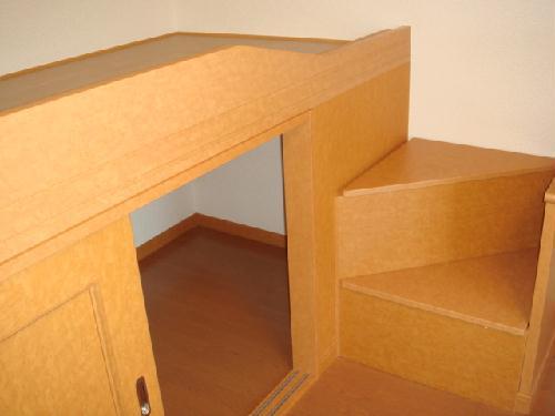 レオパレスサンガーデン 106号室の収納