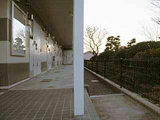レオパレスサンガーデン 106号室の玄関