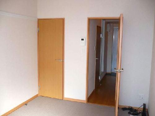レオパレスMakearrowⅢ 210号室のリビング