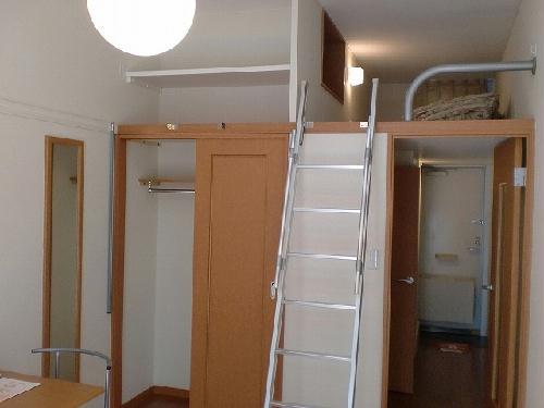レオパレスコロモ 205号室のリビング