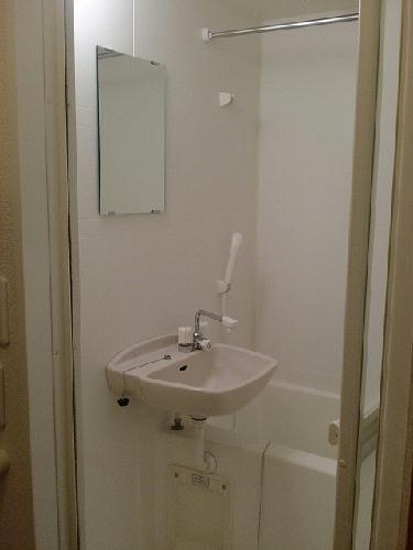 レオパレスコロモ 205号室の風呂