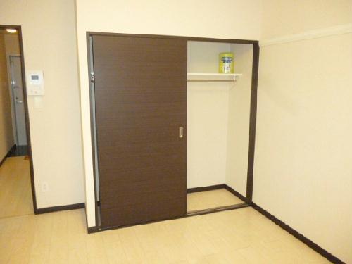 レオネクストルミエール小沢 103号室の洗面所