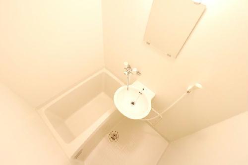 レオパレスウエスタン 205号室の風呂