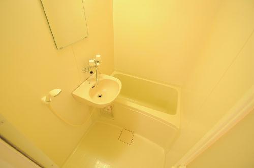 レオパレスハッピーワン 206号室の風呂