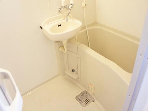 レオパレスRIVER WIN 204号室の風呂