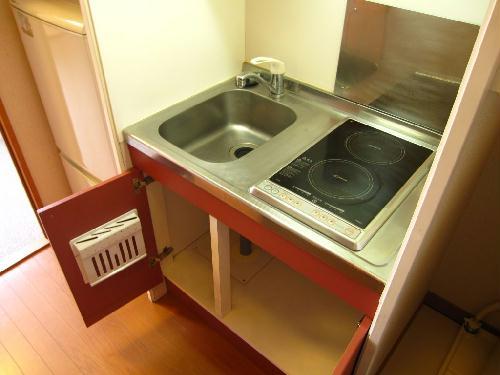 レオパレス三立ハイツA 102号室のトイレ