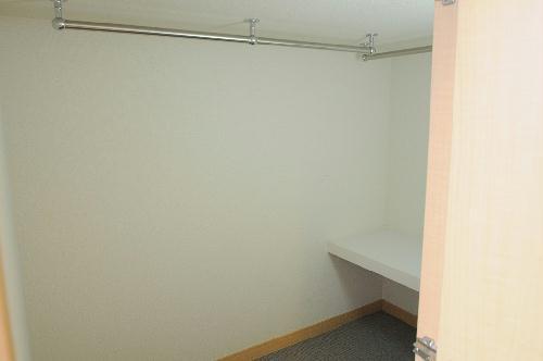 レオパレスTYK壬生 101号室の収納