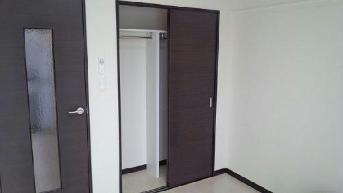 レオネクストラフォーレ 101号室の収納